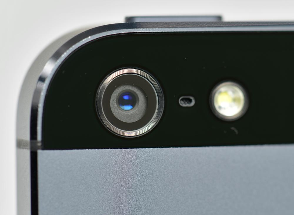 apple-iphone-5-camera-lens