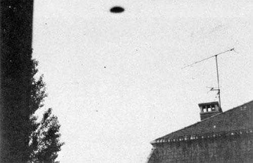 Нло с фото. 7 реальных столкновений человека с НЛО (10 фото)